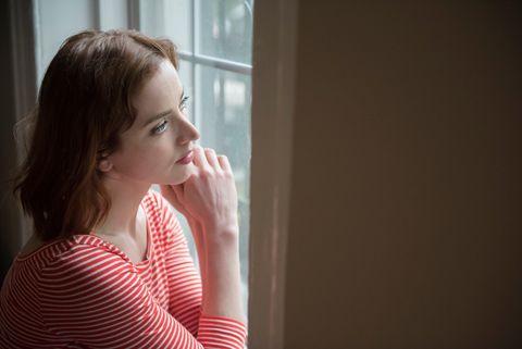 Hair, Red, Skin, Light, Beauty, Shoulder, Pink, Window, Blond, Room,