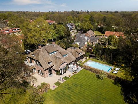 Aerial photography, Residential area, Property, House, Home, Estate, Village, Human settlement, Building, Roof,