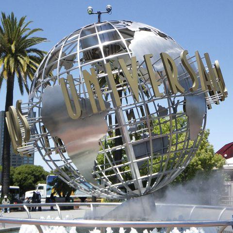 Landmark, Sphere, Architecture, Tree, Dome, World, Tourist attraction, Dome, Plant, Building,