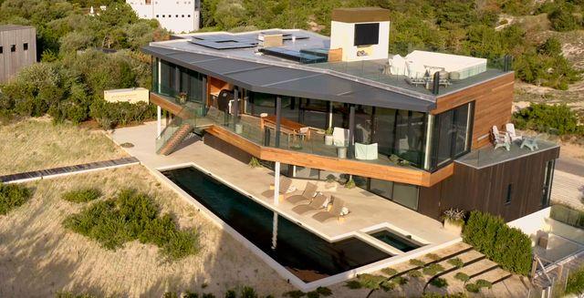 million dollar beach house million dollar beach house cr netflix © 2020