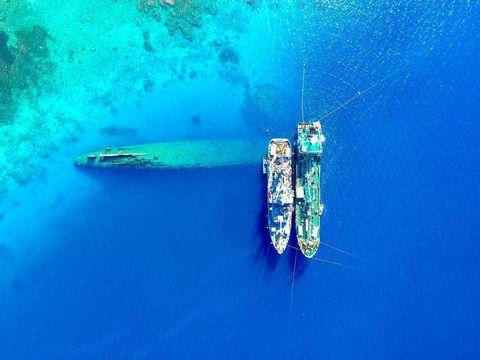 Prinz Eugen oil removal: Overhead Photo 04 September 2018