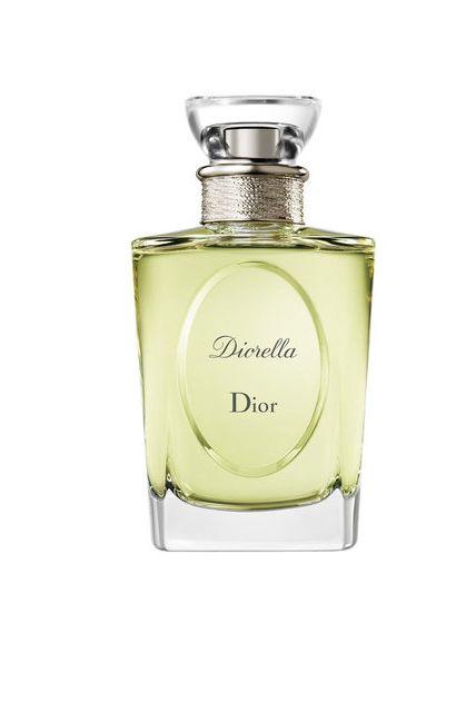 Perfume, Product, Fluid, Glass bottle, Liquid, Cosmetics, Aftershave, Bottle,