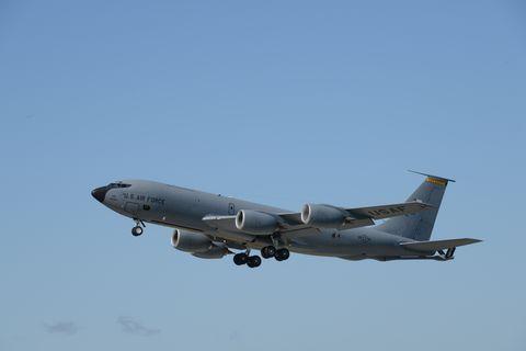 Aircraft, Aviation, Vehicle, Airplane, Aerospace engineering, Airline, Flight, Aerospace manufacturer, Air travel, Jet aircraft,