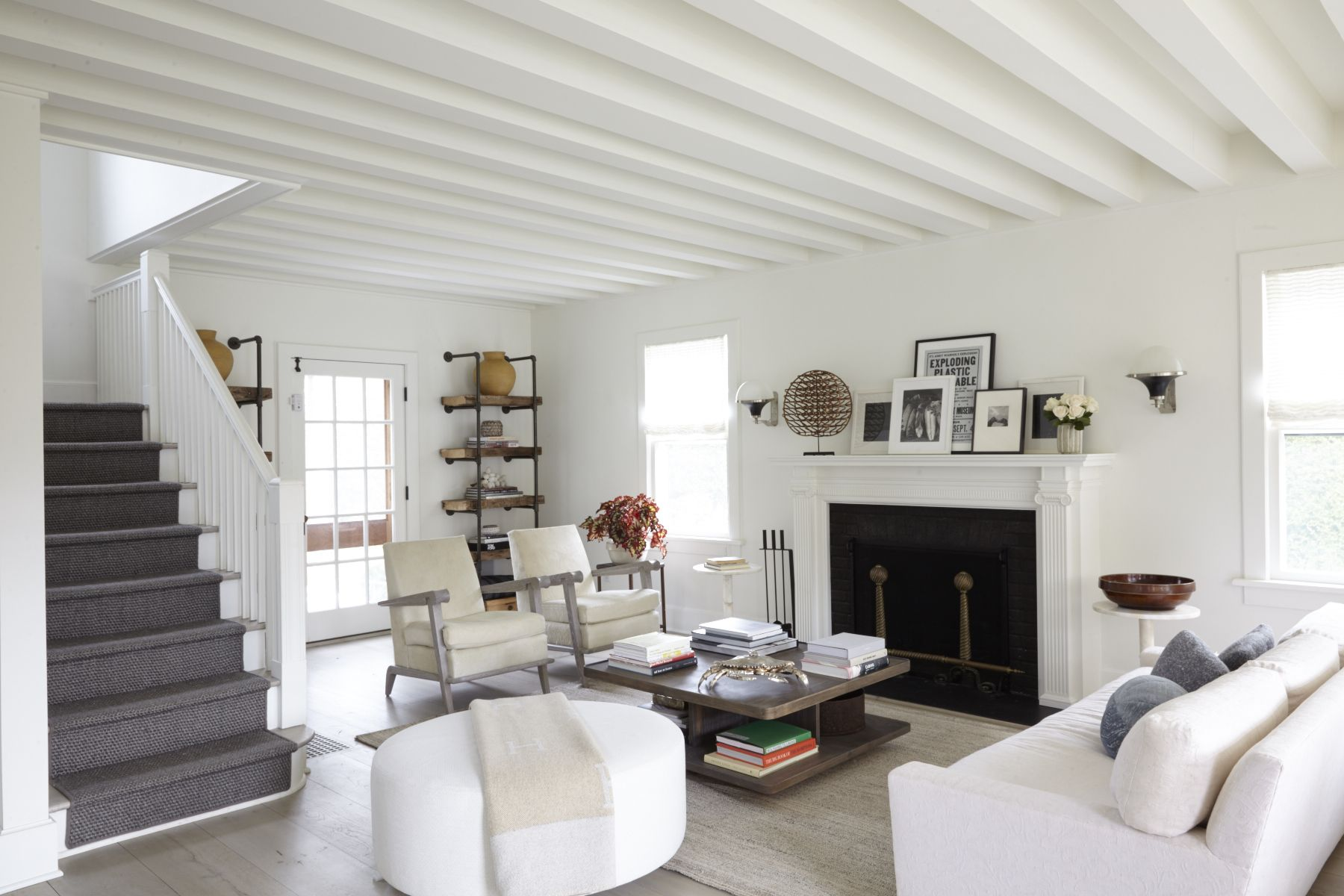 14 Best Modern Farmhouse Living Room Ideas To Try In 2020