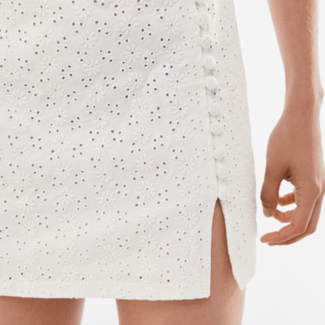 bershka falda bordado suizo