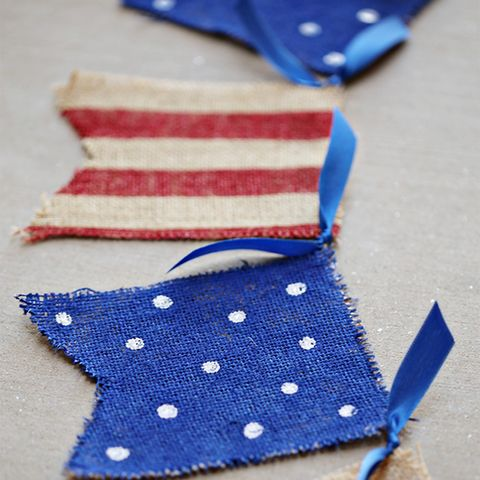 4th of july crafts - Painted Burlap Banner