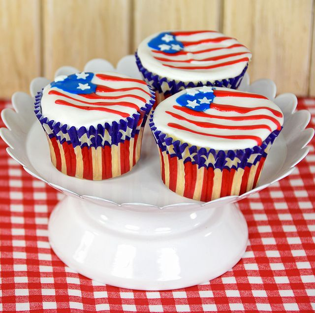 Admirable 24 Best 4Th Of July Cupcake Cakes Recipes For Fourth Of July Funny Birthday Cards Online Elaedamsfinfo