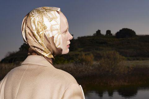 look back anouk, film di rocco gurrieri irene montini ispirato ai foulard creati da fulvia ferragamo, 2021