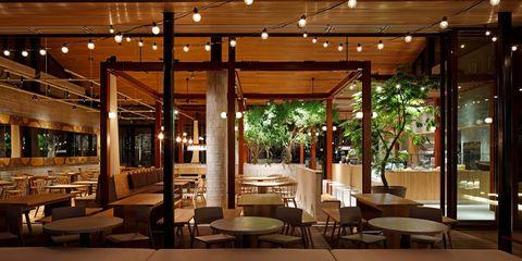 「麹町カフェ」らしさが漂う、開放感のある空間