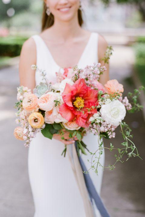 15 Best Wedding Bouquets Bridal Bouquet Ideas Photos And Inspiration