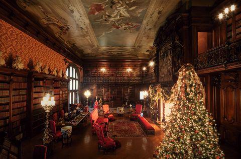 Room, Building, Christmas, Interior design, Ballroom, Interior design, Hall,