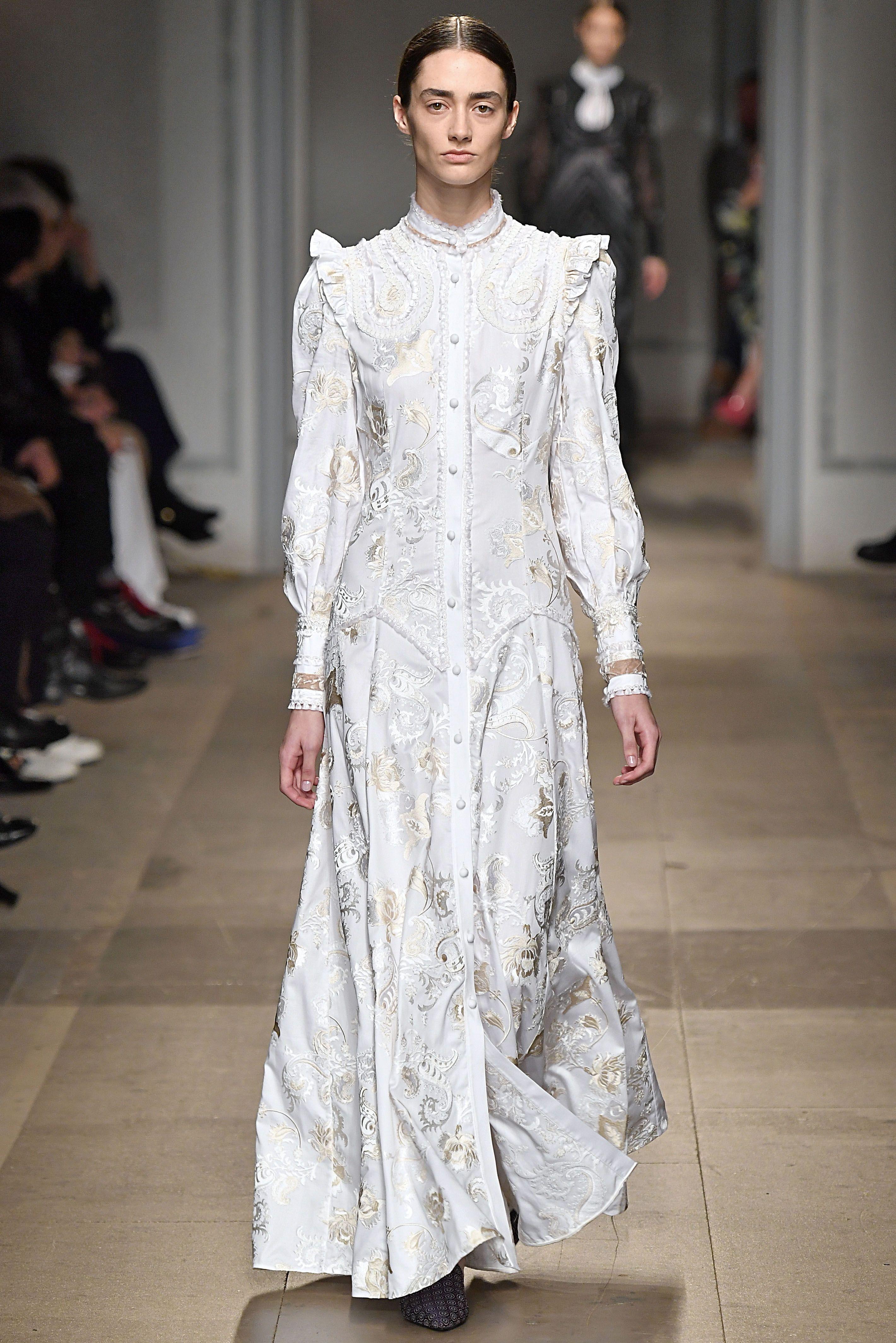 16 Best Fall Wedding Dresses Designer Fall 2017 Bridal Gown