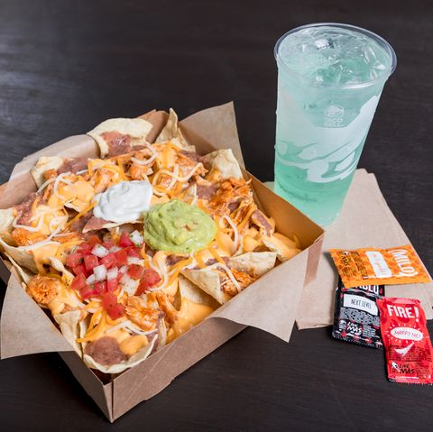 Taco Bell Christmas Eve.Taco Bell S 5 Grande Nachos Box Has A Double Serving Of