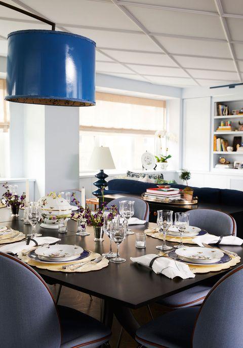 Room, Interior design, Dining room, Furniture, Table, Restaurant, Brunch, Ceiling, Building, Design,