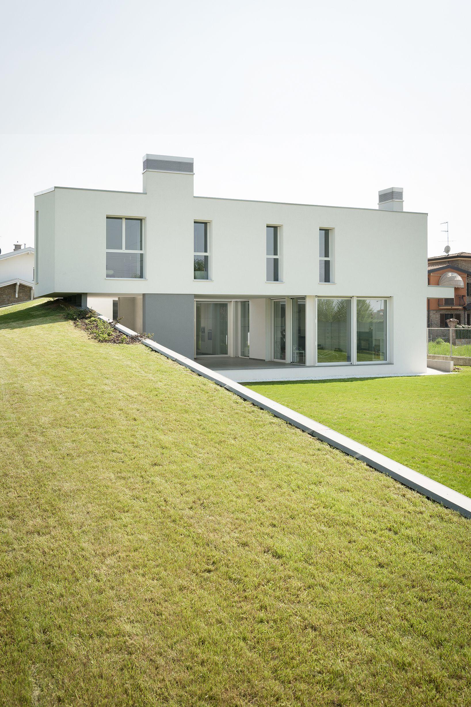 Colore Esterno Casa Moderna una casa a corte moderna nell'hinterland di milano disegnata