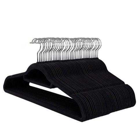 50 anti slip kleerhangers   ultra dun   met broeklat of roklat   zwart
