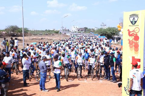 Indian Cyclists Break World Record for Longest Group Bike Ride