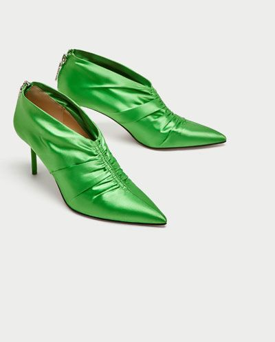 Footwear, Green, Shoe, High heels, Court shoe, Leather, Dress shoe, Basic pump,