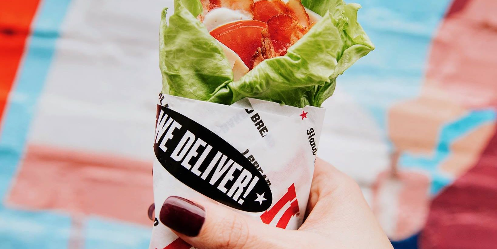 10 Best Low-Carb Fast Foods to Grab on the Go, According to Dietitians