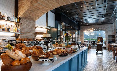 Wildflour將餐廳與麵包店結合的華麗空間