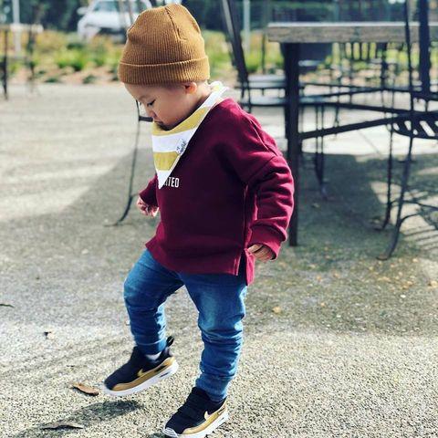Child, Jeans, Outerwear, Street fashion, Pink, Jacket, Standing, Footwear, Play, Denim,
