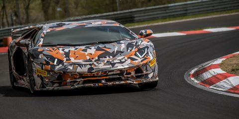 Lamborghini Aventador Svj Breaks Nurburgring Record With A 6 44 97 Lap