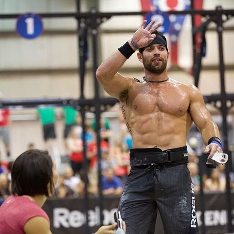 Barechested, Physical fitness, Muscle, Arm, Chest, Crossfit, Shoulder, Human body, Individual sports, Contact sport,