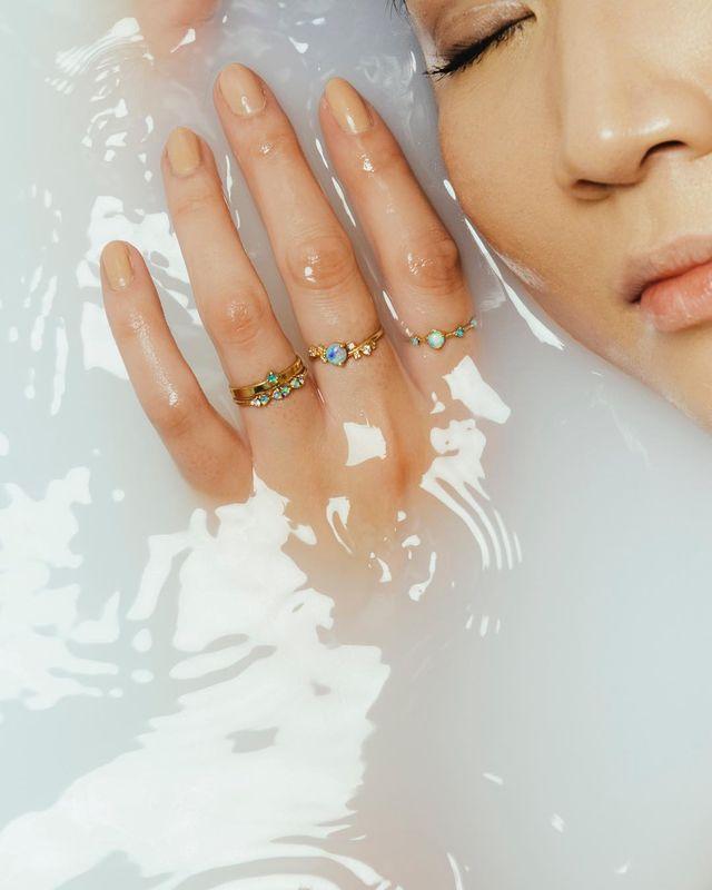 wwake  , opal, advertisement, ring, dainty , white bath ,