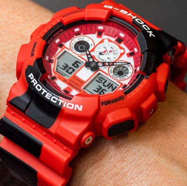 紅黑色的錦鯉手錶