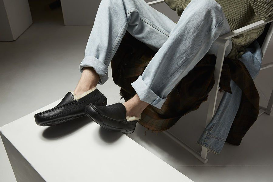 The 17 Best Men's Slippers You'll Never Want to Take Off