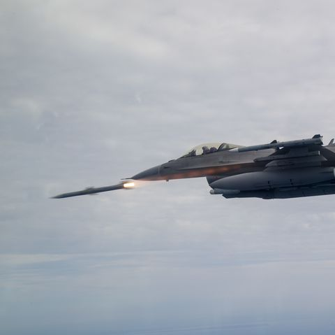 F-16 Fighting Falcon Fires Missle