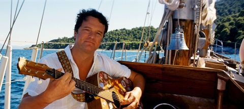 colin firth guitarra mamma mia 1