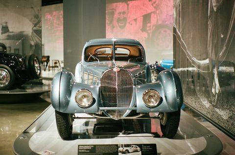 Land vehicle, Car, Classic, Classic car, Vintage car, Vehicle, Antique car, Coupé, Luxury vehicle, Automotive design,
