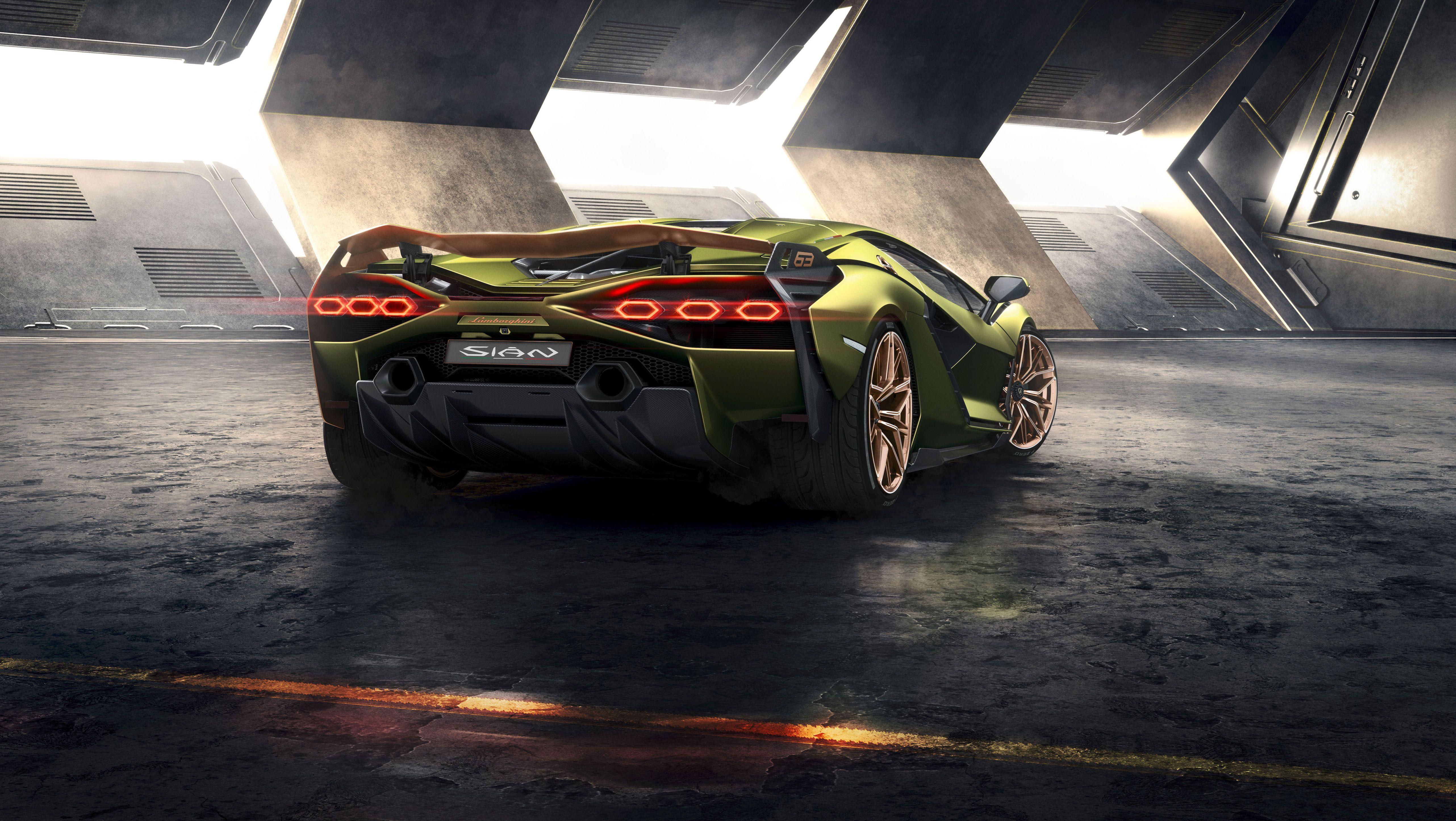 Lamborghini Sián Kicks Off Lambo\u0027s Hybrid Era, Goes 218 MPH