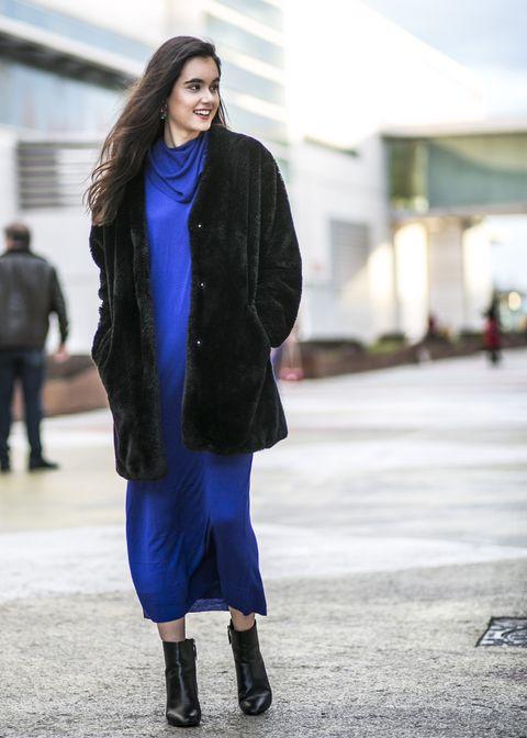 Clothing, Street fashion, Cobalt blue, Blue, Fashion, Electric blue, Fur, Footwear, Coat, Outerwear,