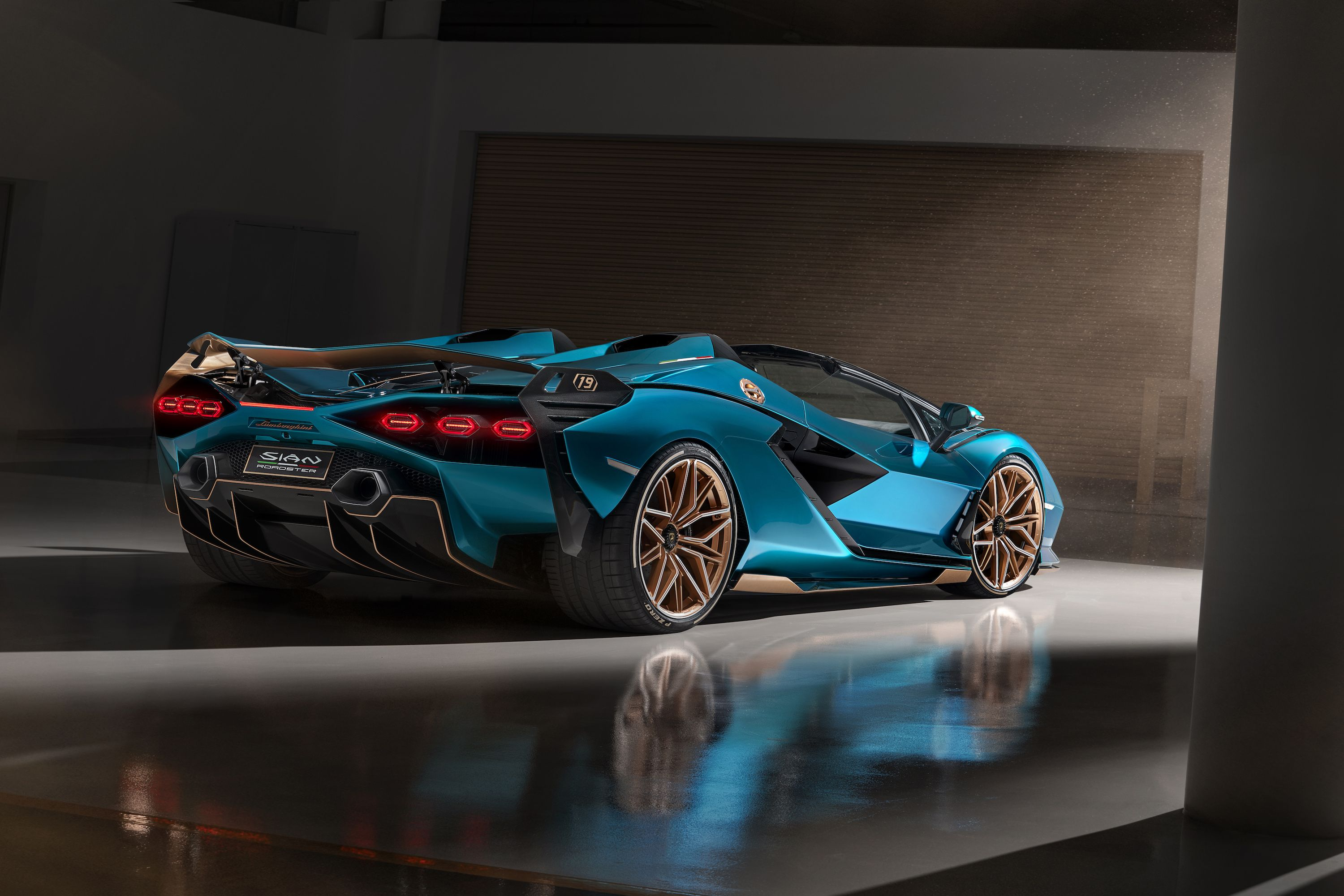 The 819-HP Lamborghini Sián Roadster Has Arrived and it's Already Sold Out