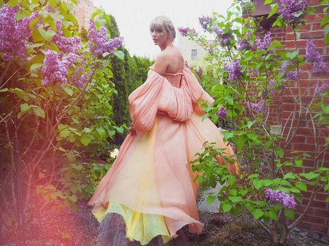 泰勒絲新專輯《folklore》5首新歌唱出你的隱藏情傷!歌詞金句喚醒各類型愛戀記憶
