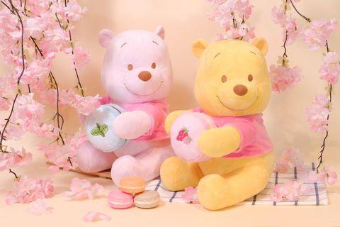 粉色和黃色的小熊維尼