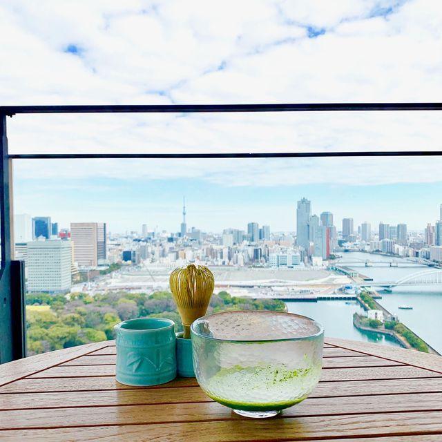抹茶越しの東京湾