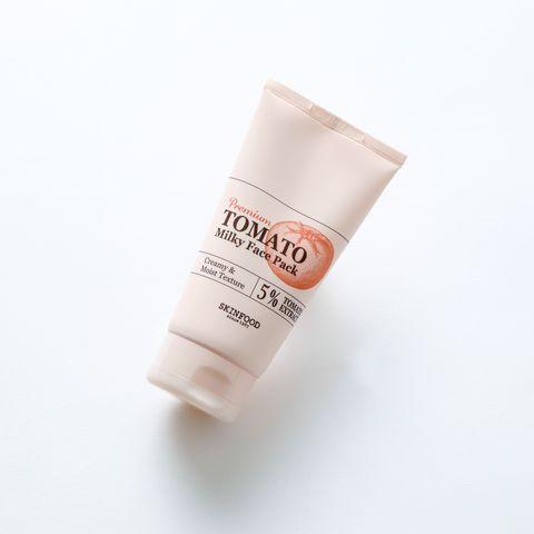 Face, Skin, Product, Beauty, Head, Beige, Hand, Material property, Moisture, Fluid,