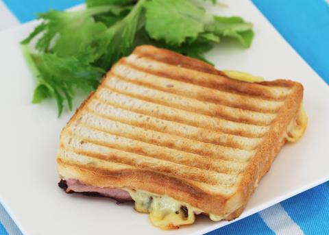 Food, Cuisine, Ingredient, Meal, Dish, Leaf vegetable, Breakfast, Sandwich, Finger food, Plate,