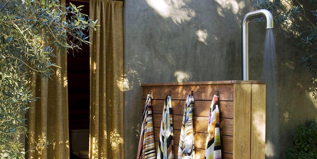 18 Beautiful Outdoor Shower Ideas
