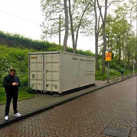 Transport, Tree, Architecture, Road surface, Plant, Asphalt, Wood, Vehicle, Restroom, Sidewalk,