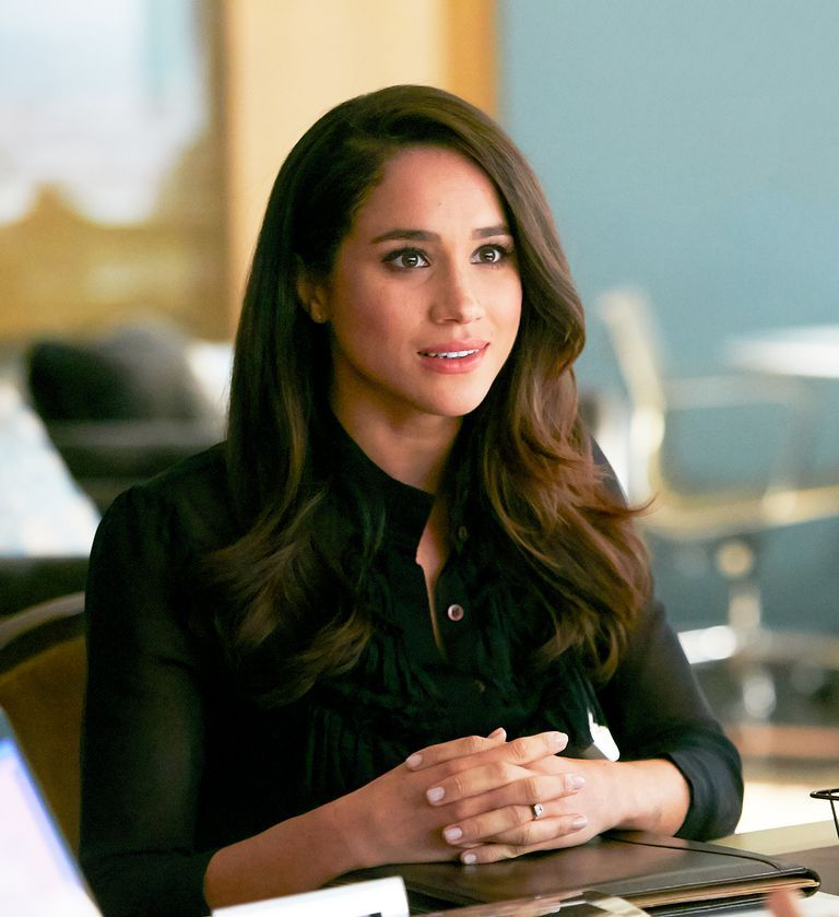 12+ Meghan Markle Suits First Appearance