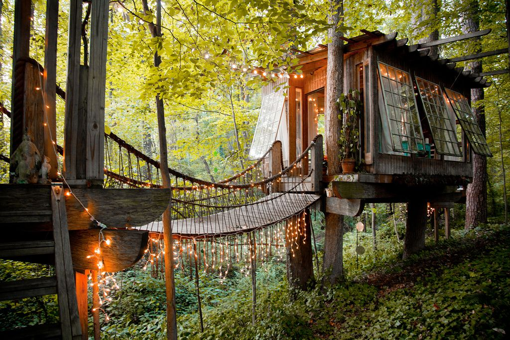 You'd Never Guess This Dreamy Treehouse Airbnb Is Right In Atlanta