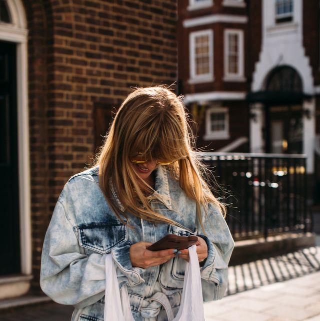 Street fashion, Photograph, Yellow, Denim, Snapshot, Fashion, Jeans, T-shirt, Shoulder, Outerwear,
