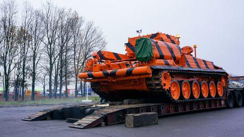 Vehicle, Transport, Mode of transport, Tank, Combat vehicle, Construction equipment,