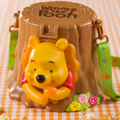 Yellow, Fondant, Sweetness, Royal icing, Food, Icing, Cake, Baked goods, Dessert, Cake decorating,