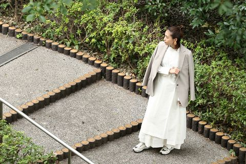White, Outerwear, Botany, Costume, Dress, Photography, Robe, Plant, Leisure,