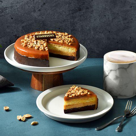 星巴克開放父親節蛋糕預訂!不只花生巧克力蛋糕,還有大人味「咖啡啤酒肉條禮盒」